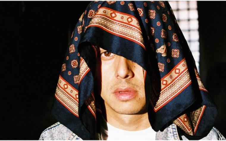 Jonas Sanche representará al rap chileno en Premios Pulsar y celebra su nominación estrenando nuevo single.